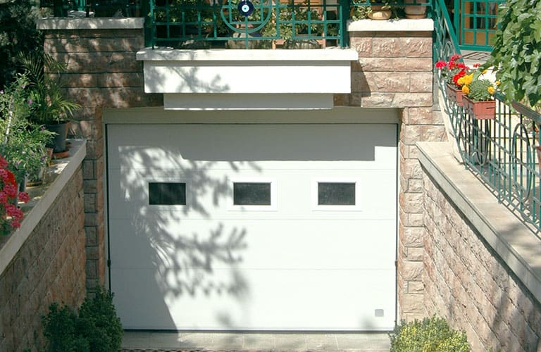 Villa Garaj Kapısı